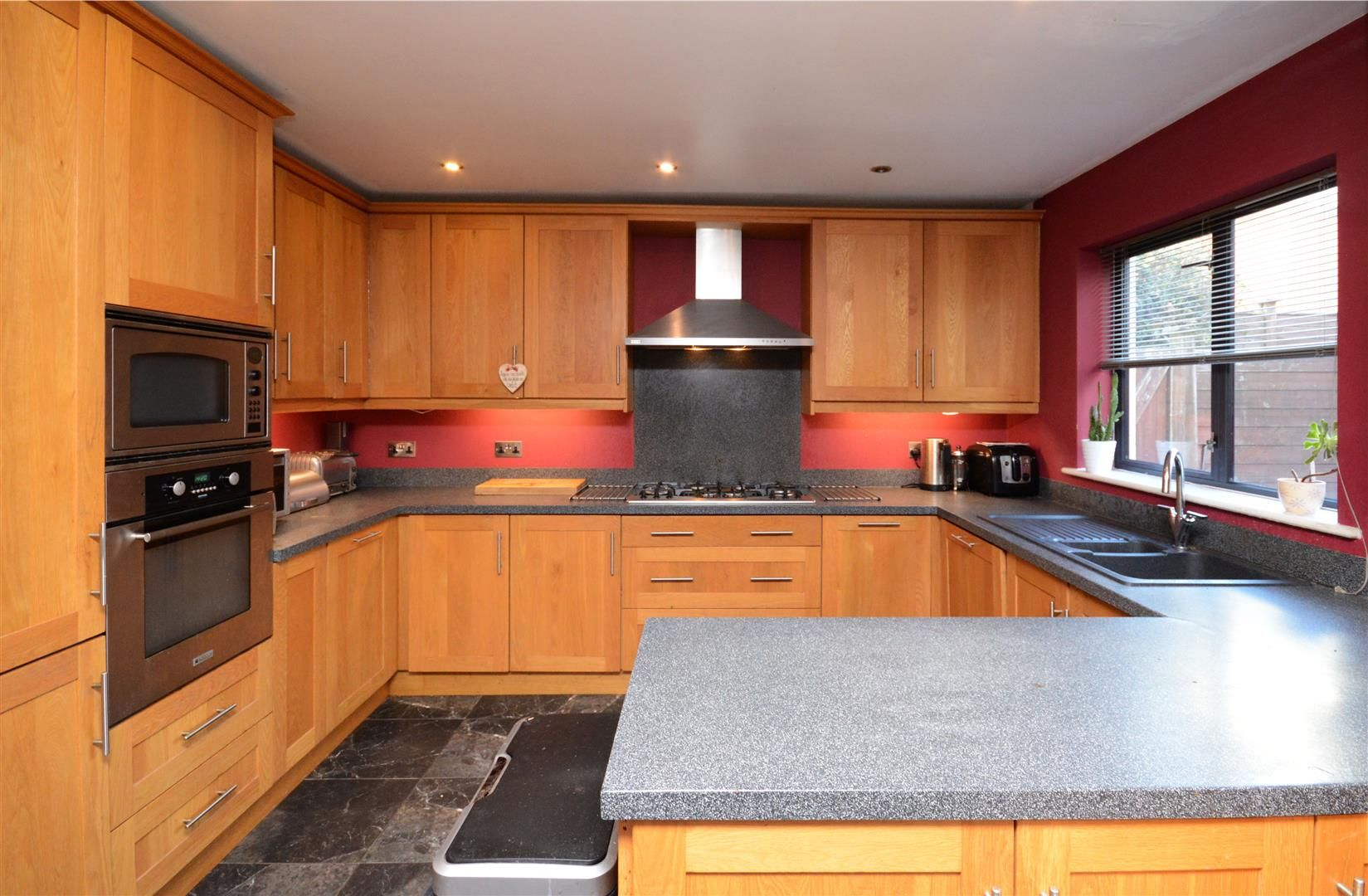 5 bed end of terrace for sale 4