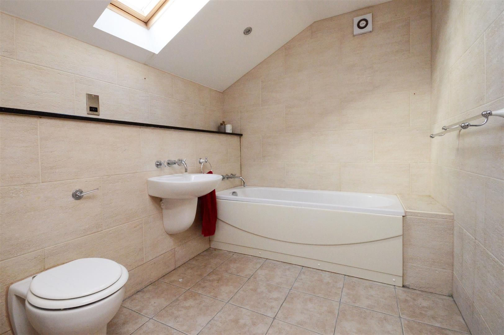 5 bed end of terrace for sale  - Property Image 10