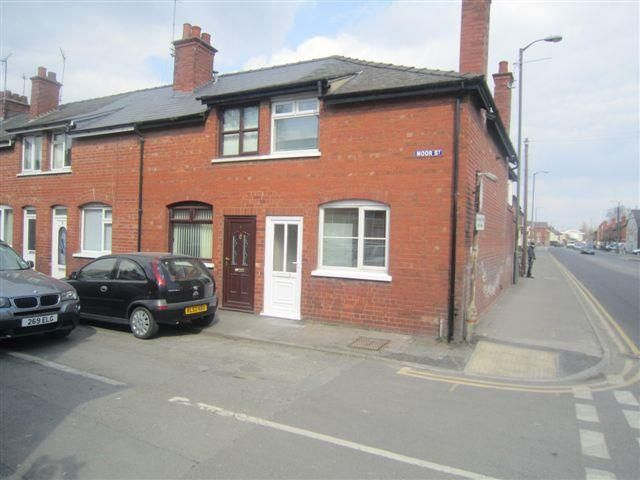 2 bed end-of-terrace to rent, HR4
