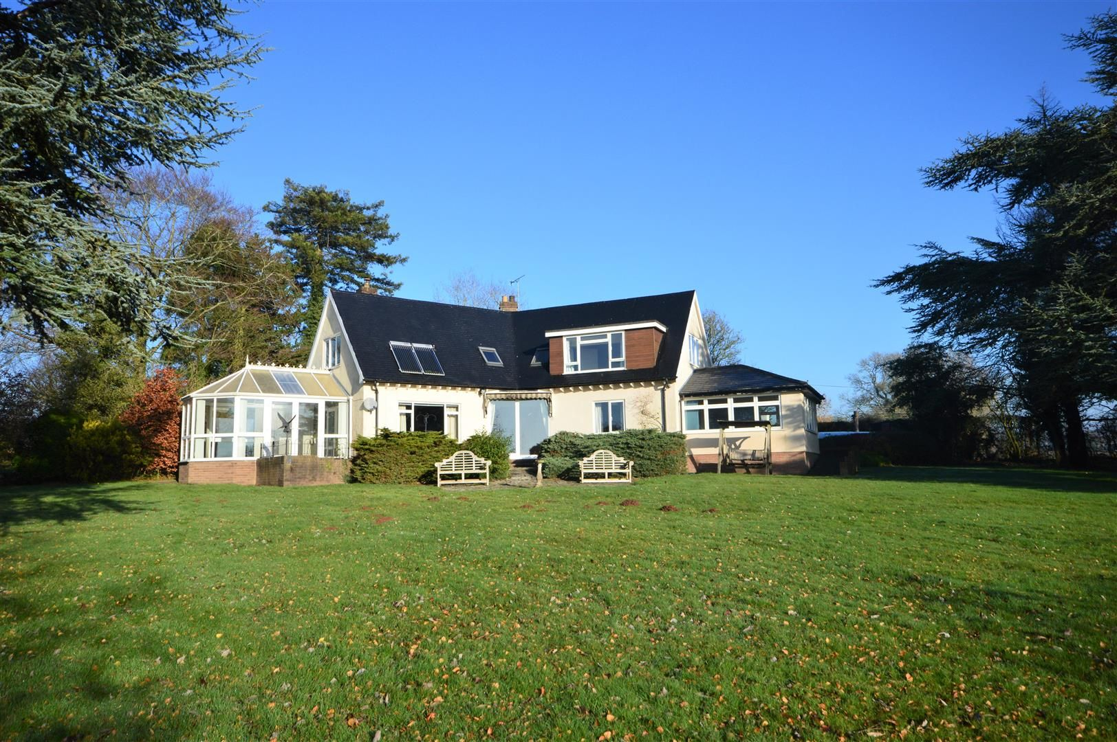 4 bed country house for sale in Hamnish - Property Image 1