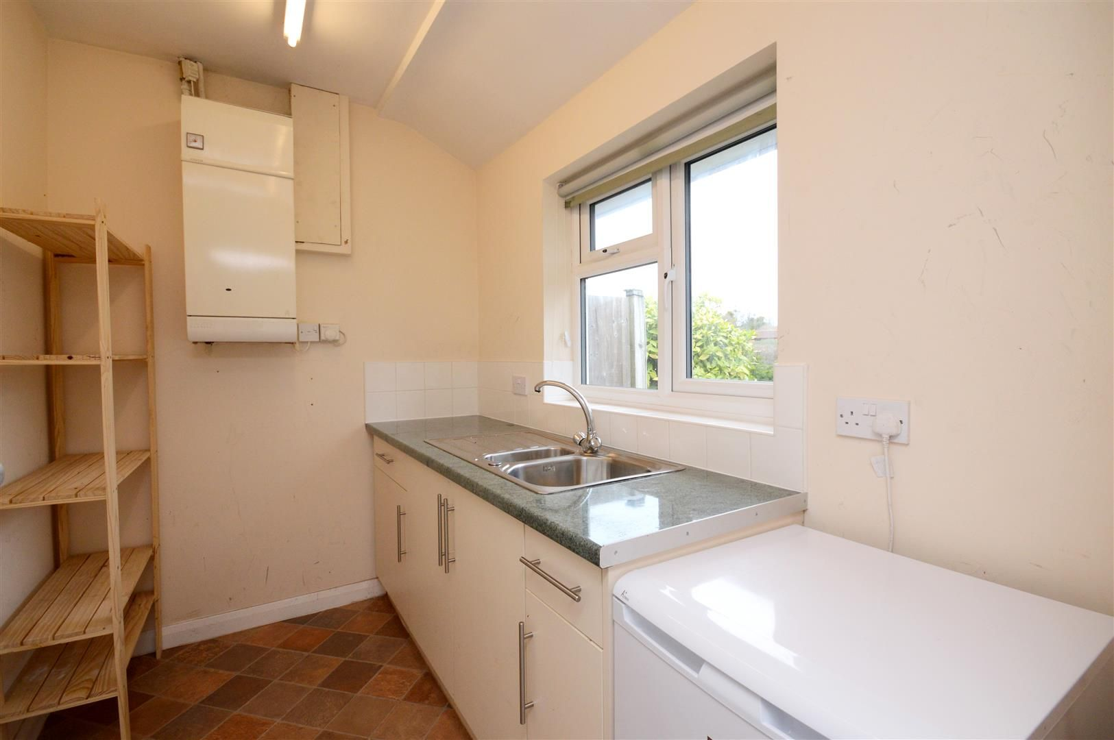 3 bed detached bungalow for sale in Burghill 8