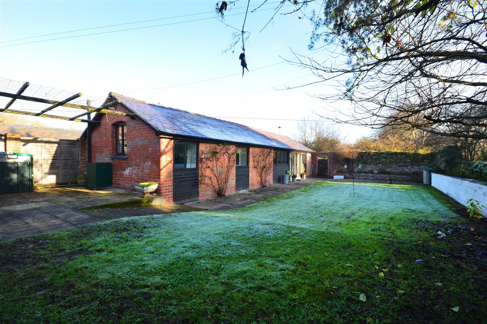 2 bed barn conversion for sale in Little Marcle 11