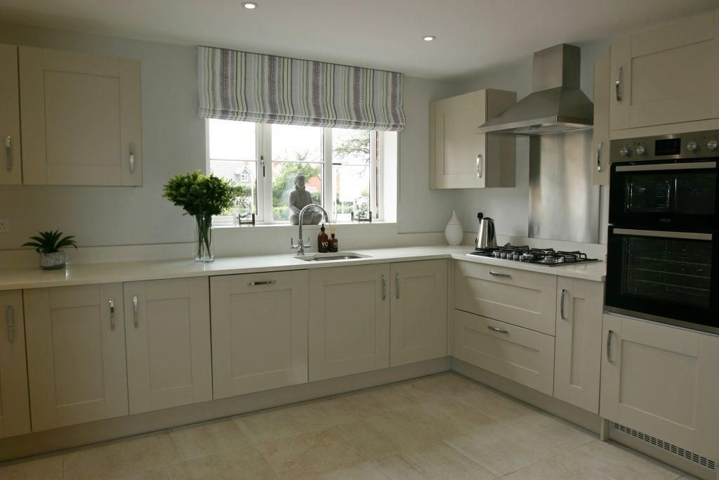 5 bed detached for sale in Kingstone 9