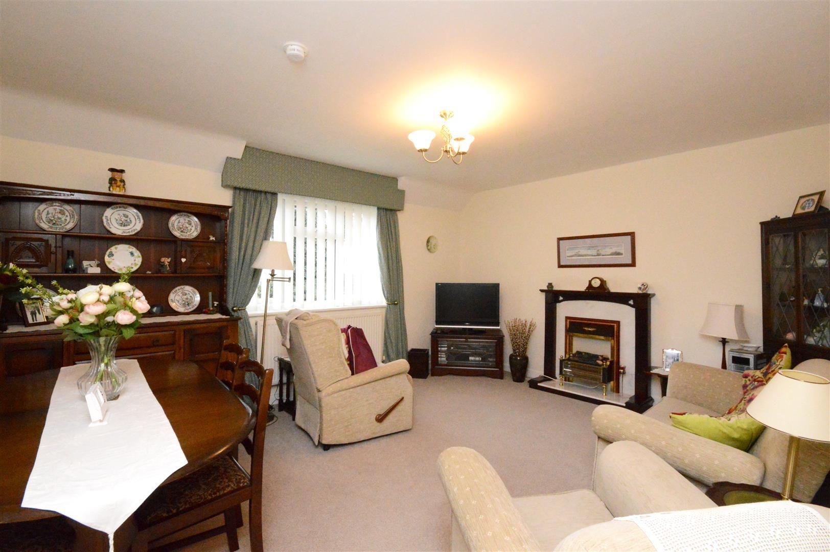 2 bed maisonette for sale  - Property Image 3