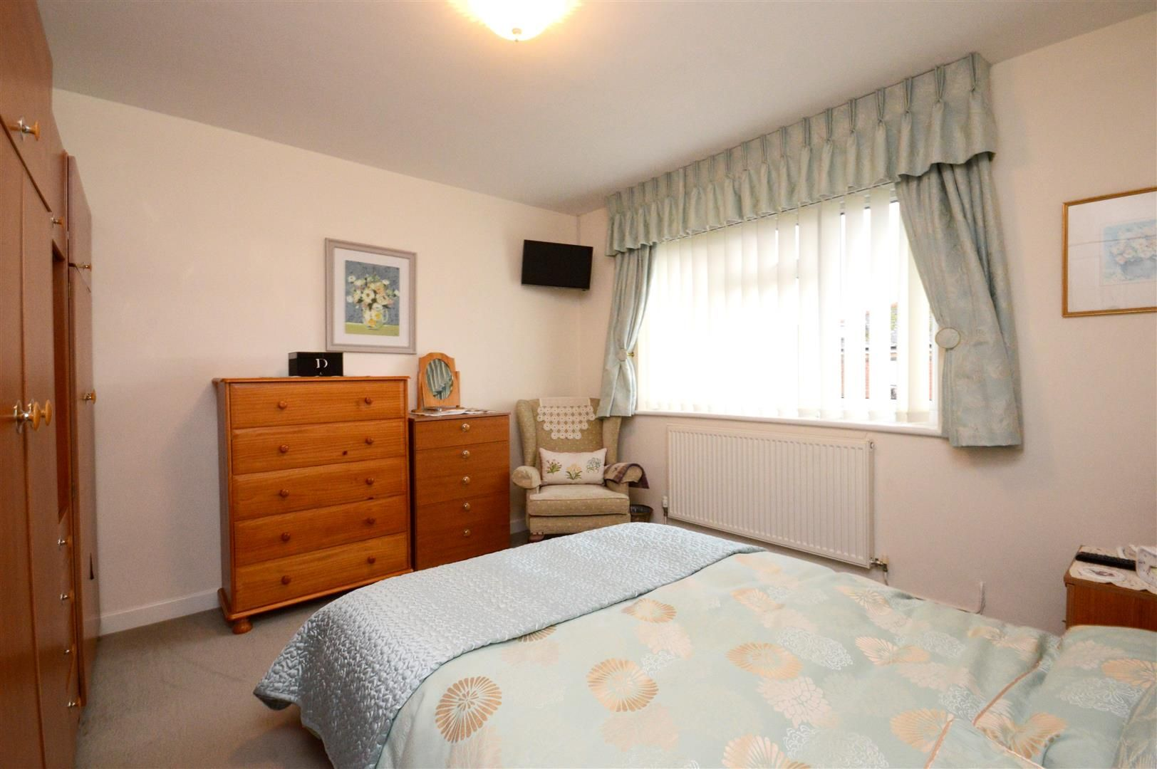2 bed maisonette for sale 4