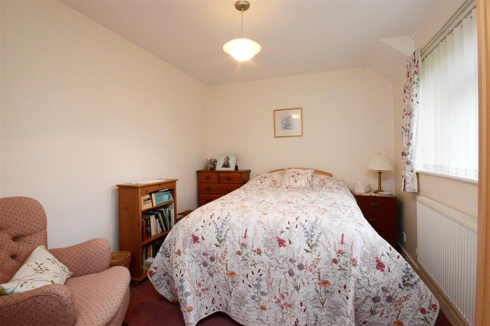 2 bed maisonette for sale 5