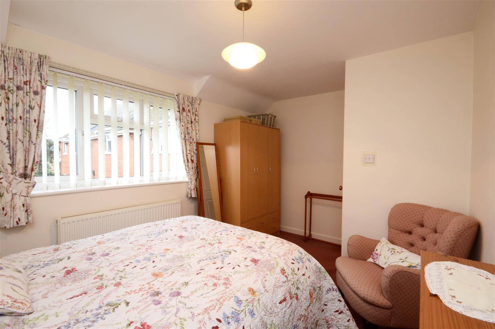 2 bed maisonette for sale 6