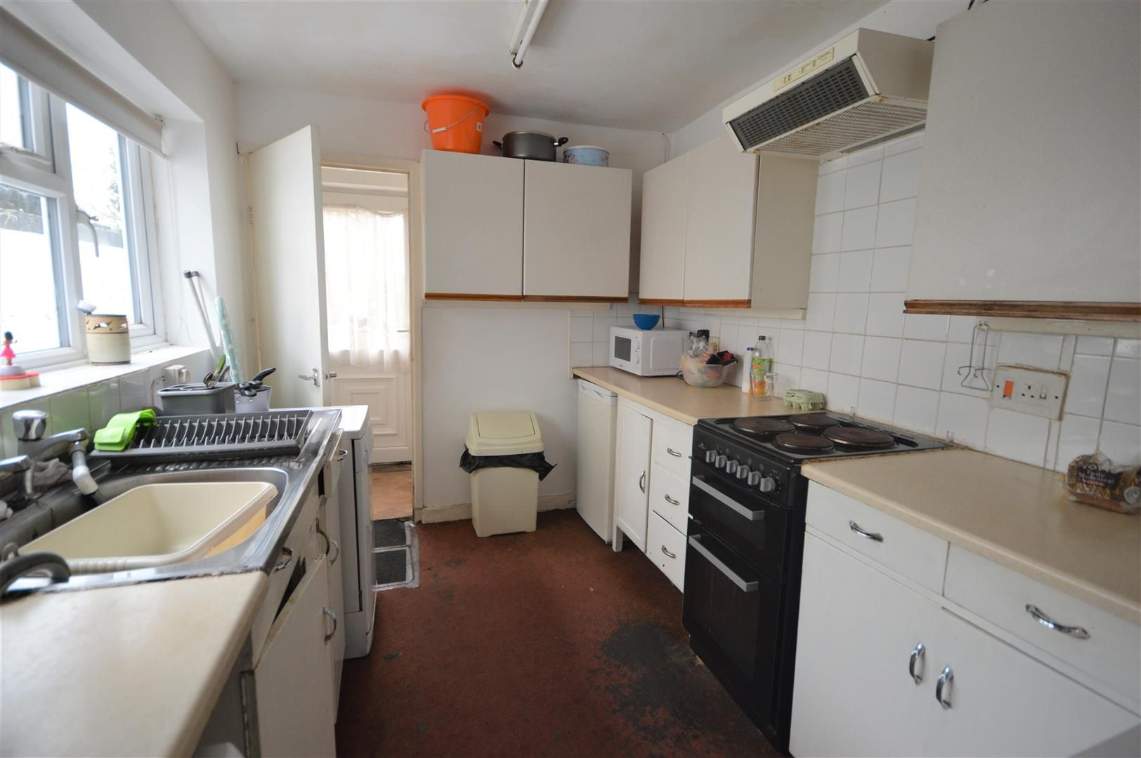 3 bed terraced for sale in Leominster  - Property Image 2