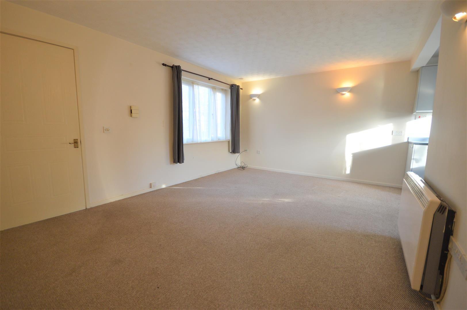 2 bed maisonette for sale in Leominster  - Property Image 2