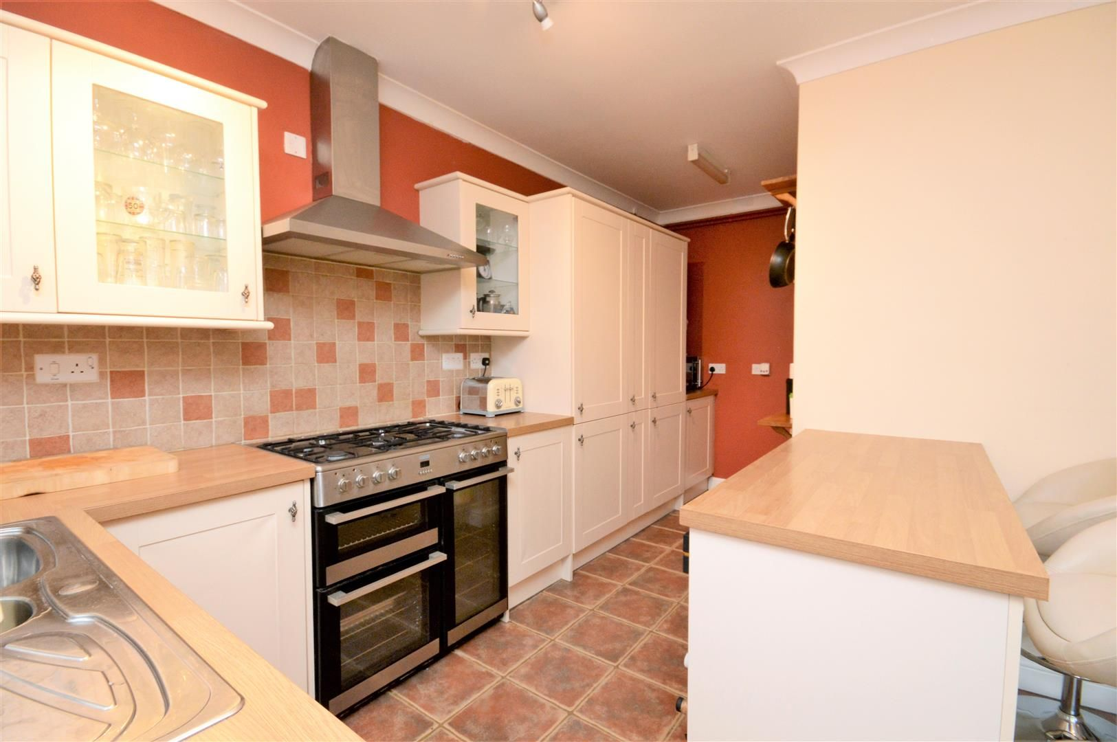 4 bed detached for sale in Marden 11