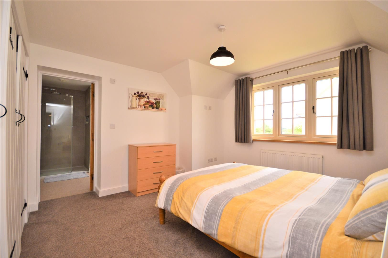 4 bed detached for sale in Marden 12