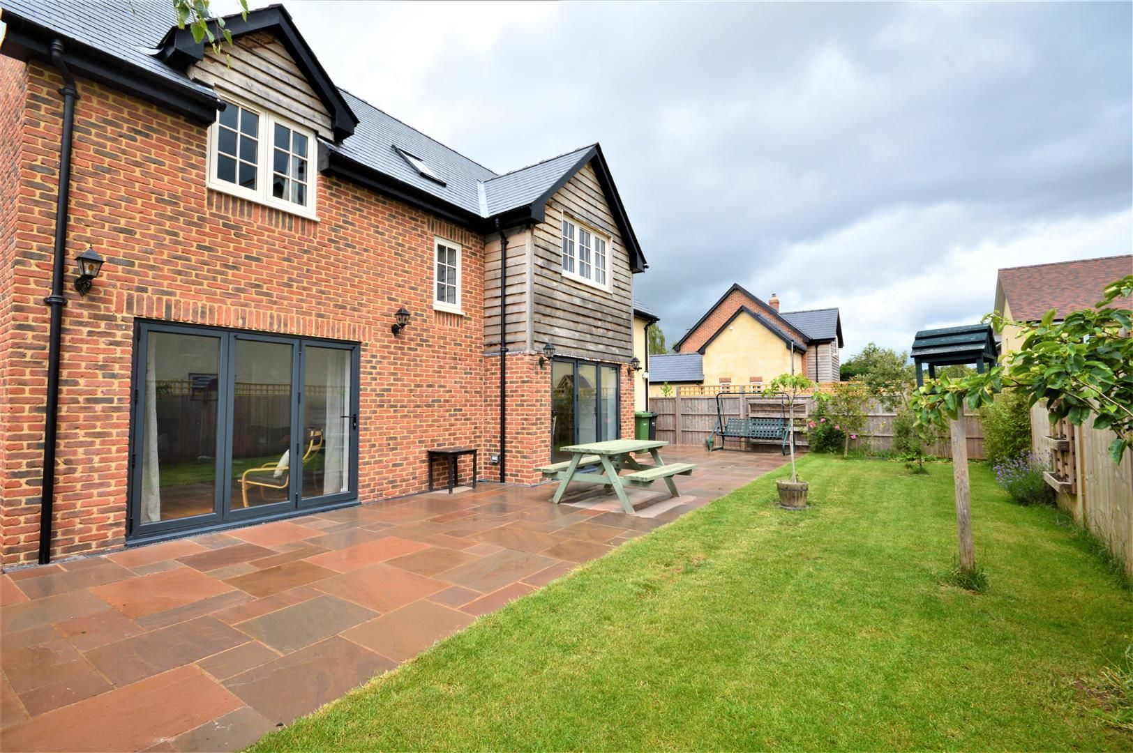 4 bed detached for sale in Marden 20