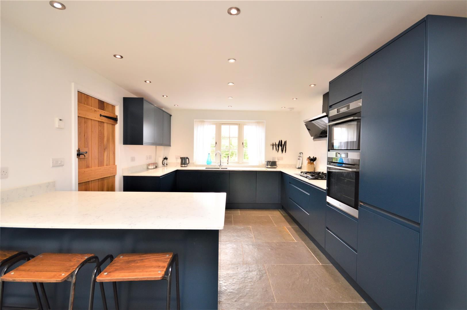 4 bed detached for sale in Marden 23