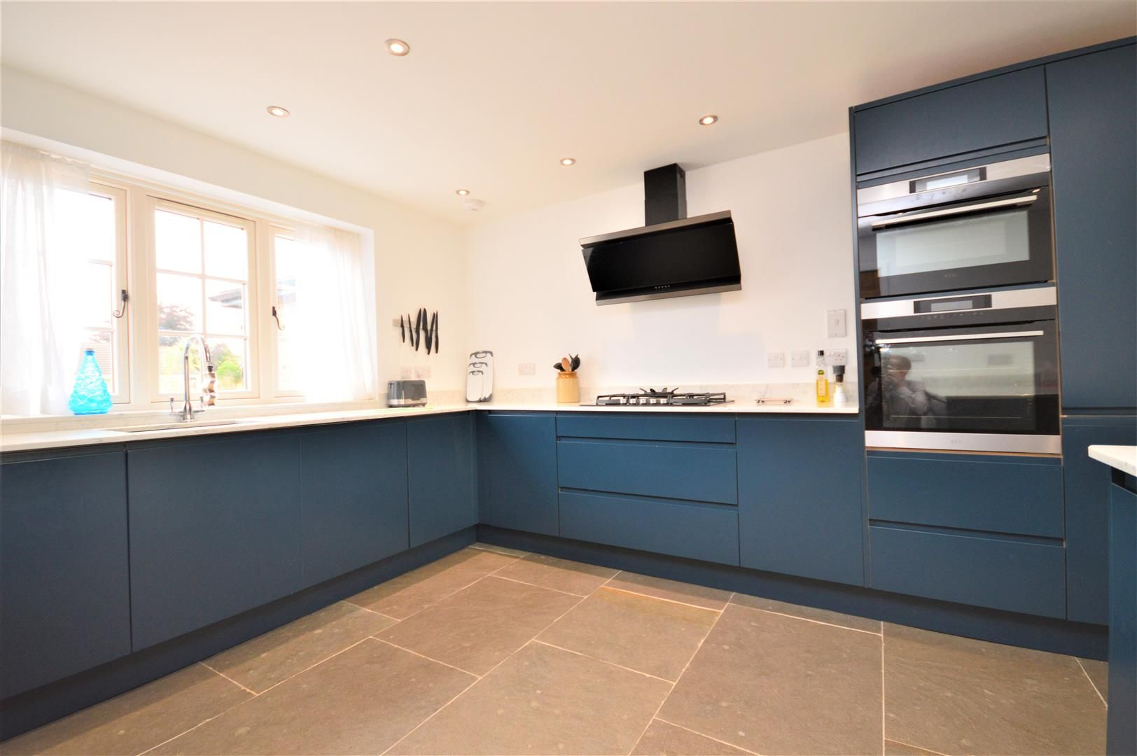 4 bed detached for sale in Marden 24