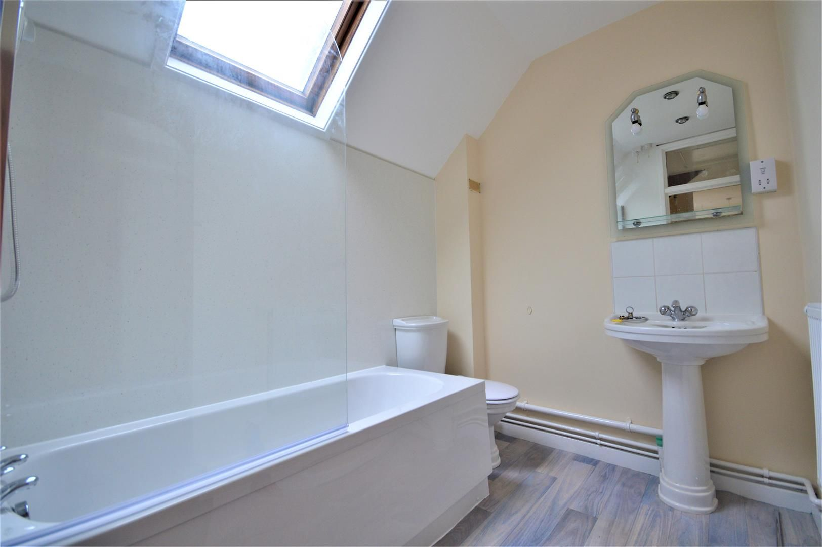 3 bed terraced to rent in Wellington 8