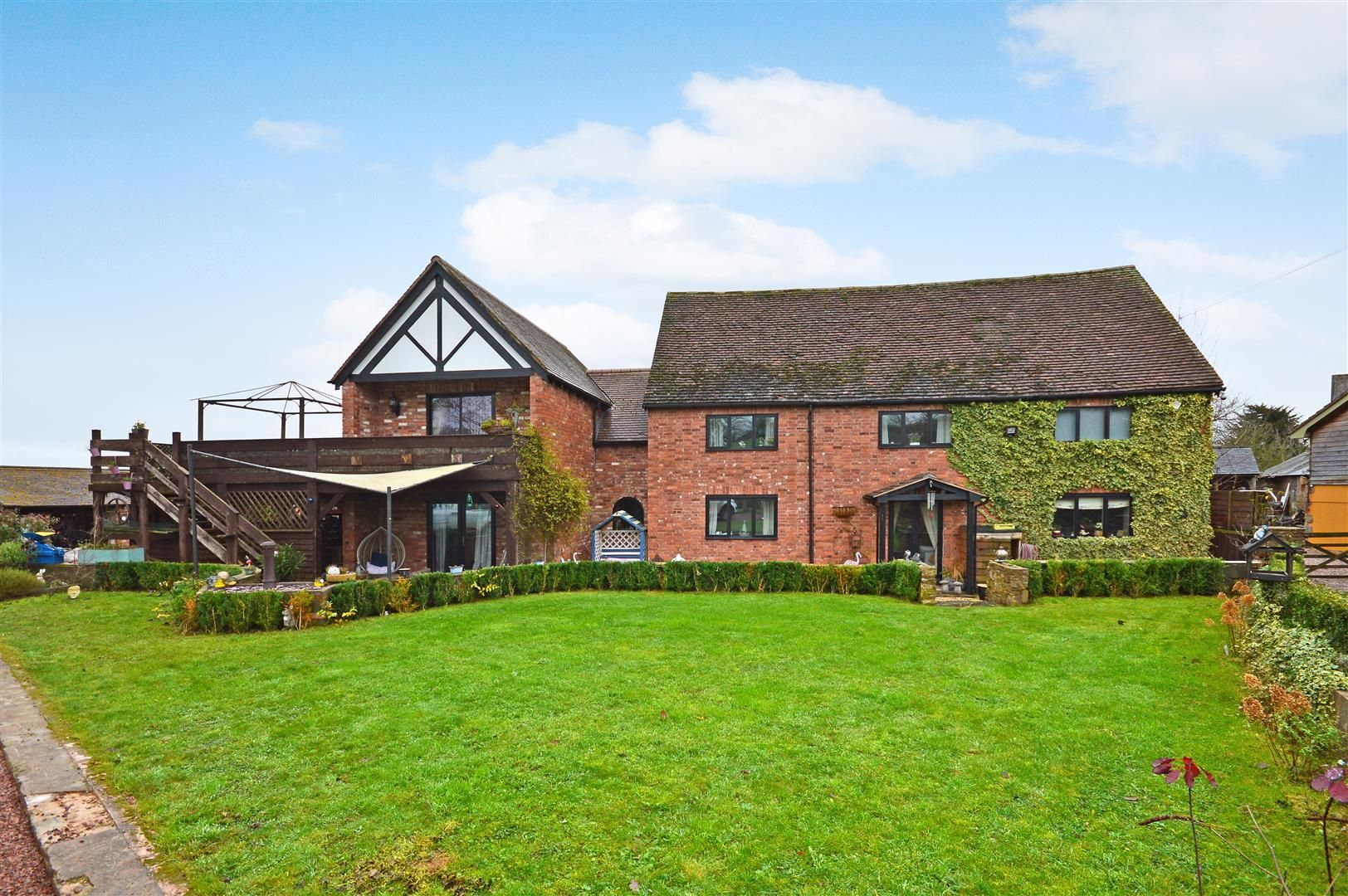 6 bed barn conversion for sale in Dinedor, HR2