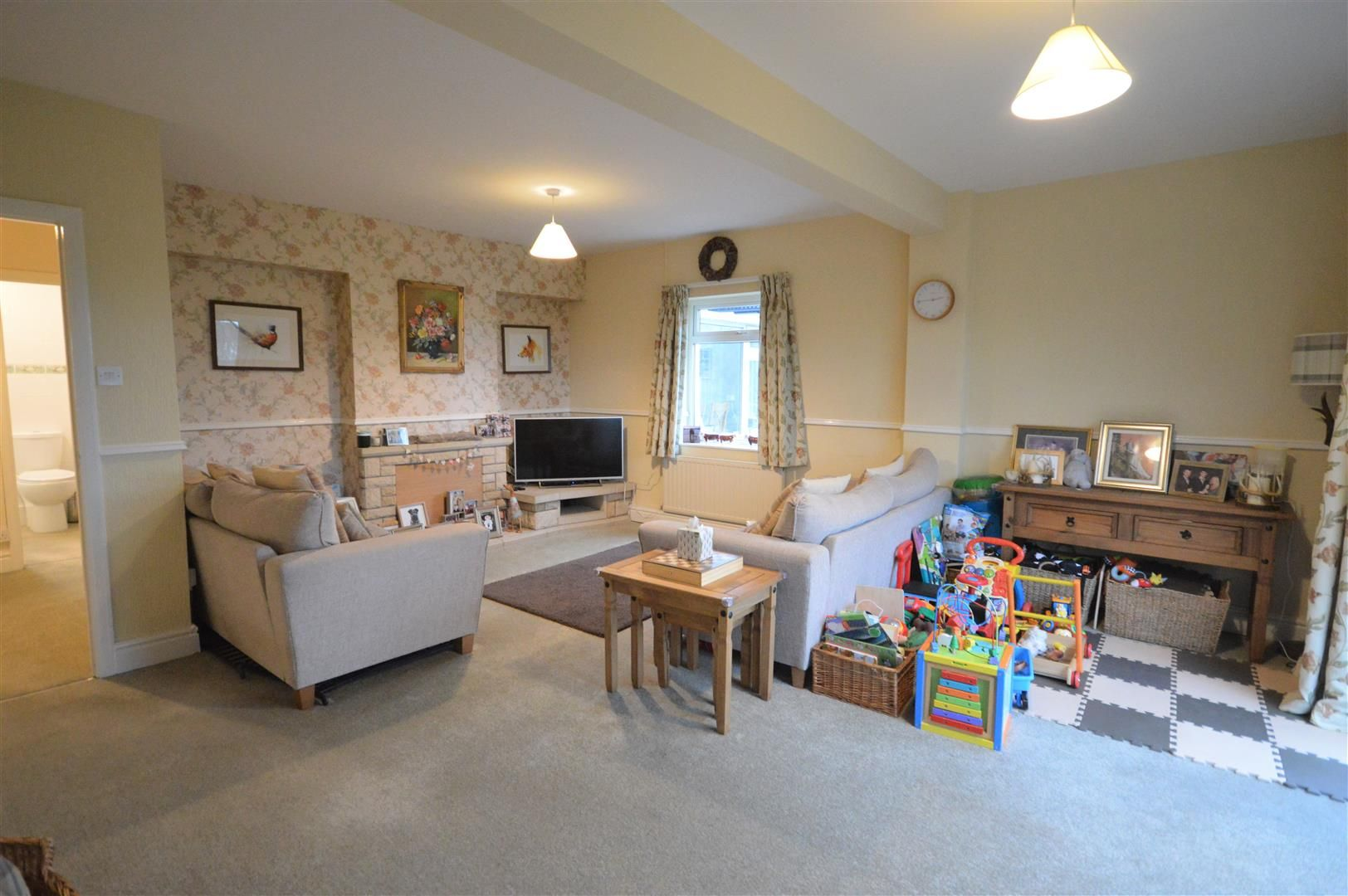2 bed detached bungalow for sale in Weobley 4
