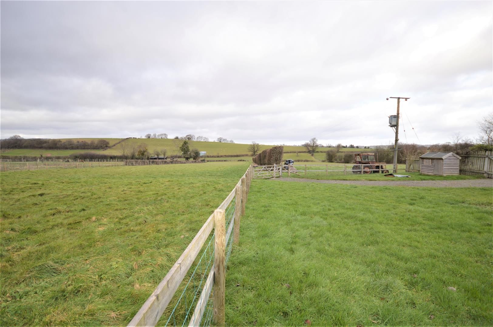 4 bed detached for sale in Marden 2