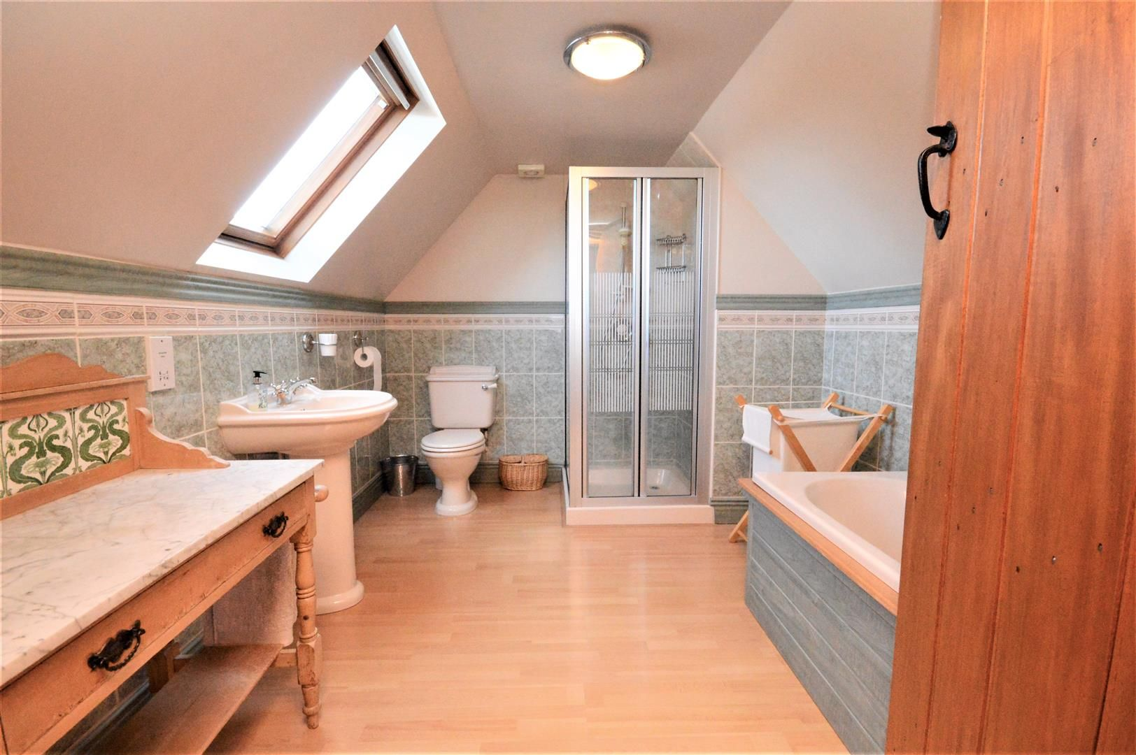 4 bed detached for sale in Marden 25