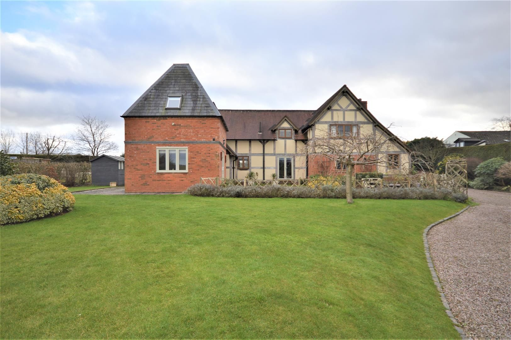 4 bed detached for sale in Marden 29