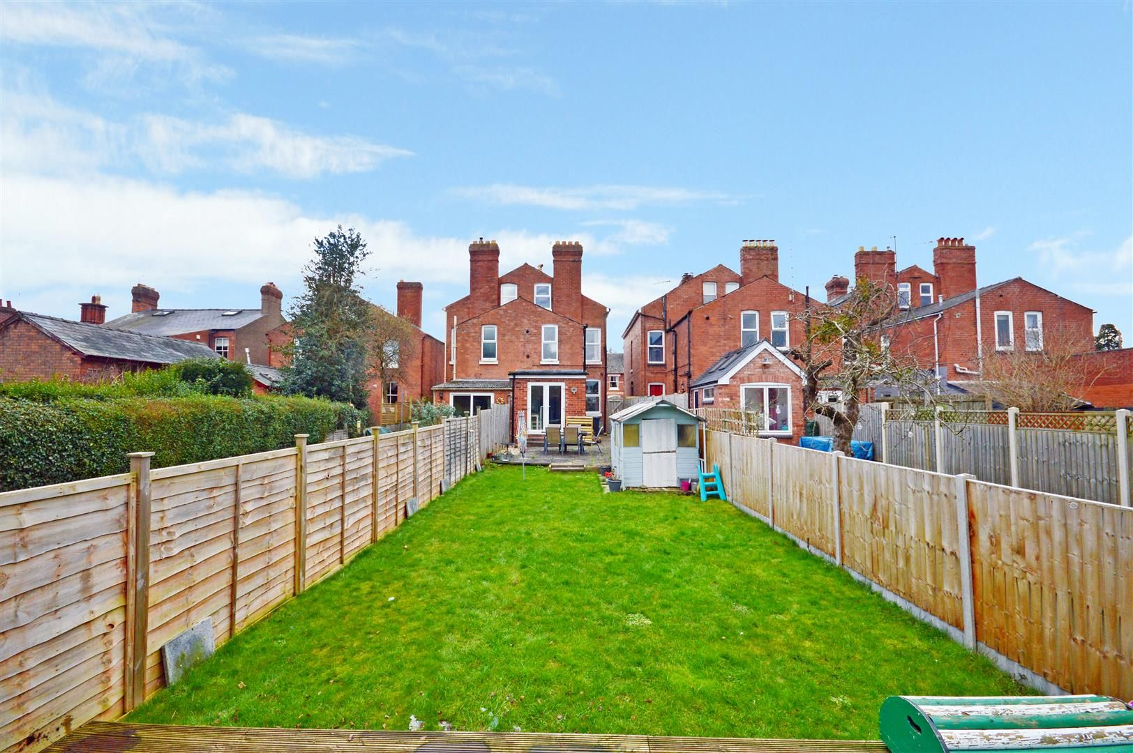 5 bed semi-detached for sale, HR4