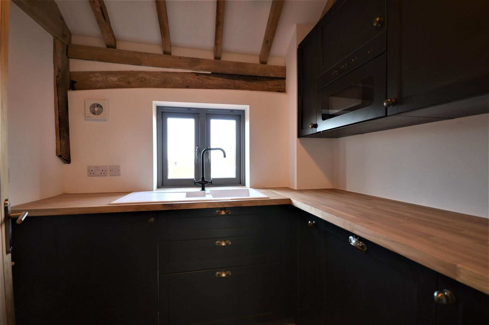 3 bed barn conversion for sale in Madley 23