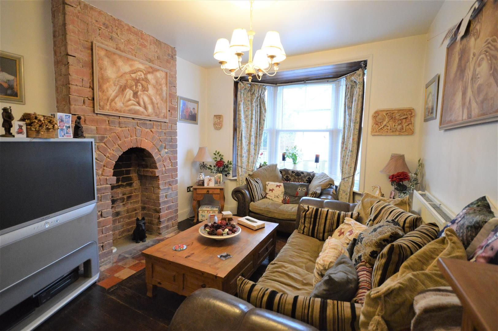 3 bed end of terrace for sale in Leominster 3