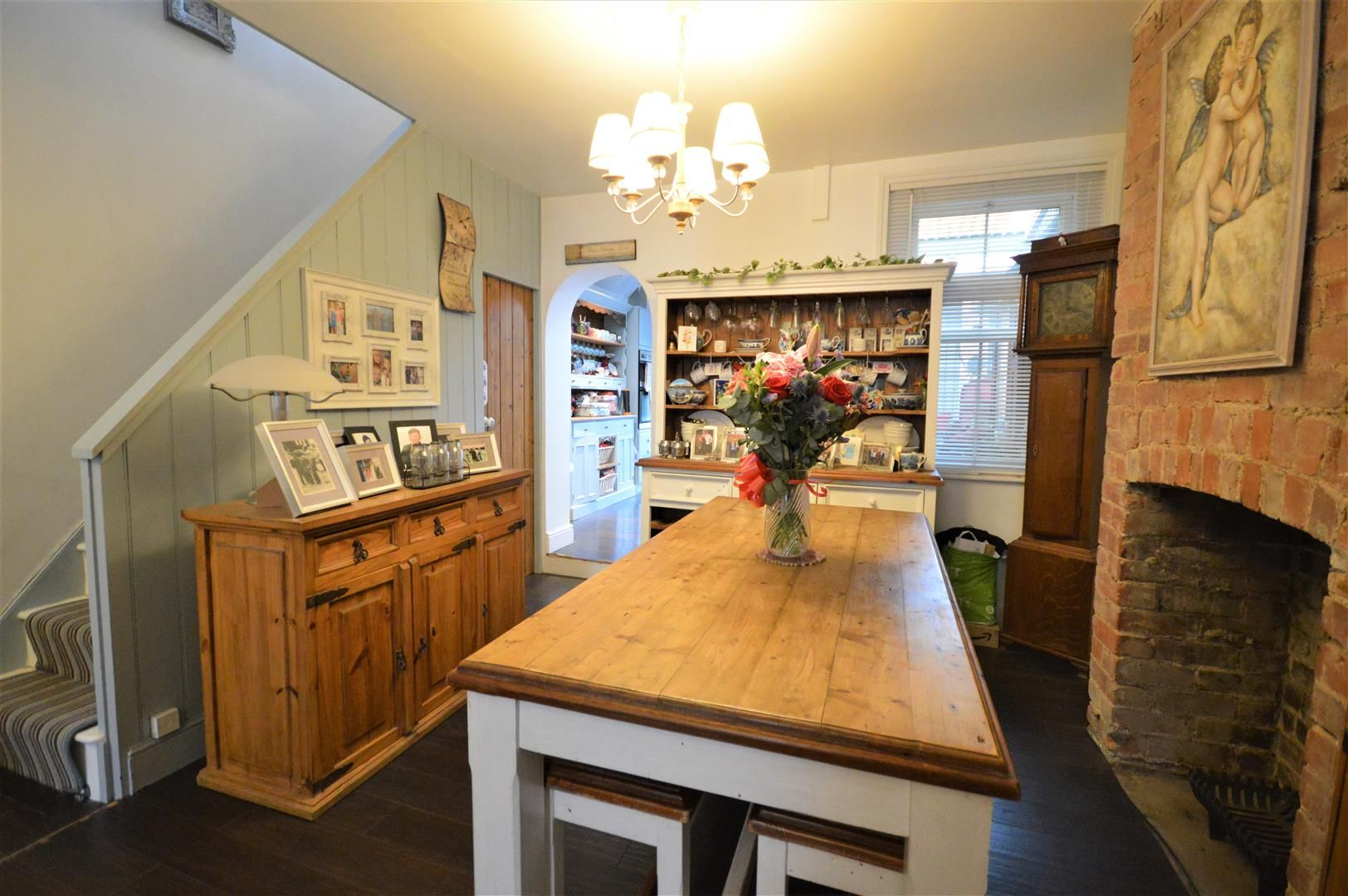 3 bed end of terrace for sale in Leominster 6