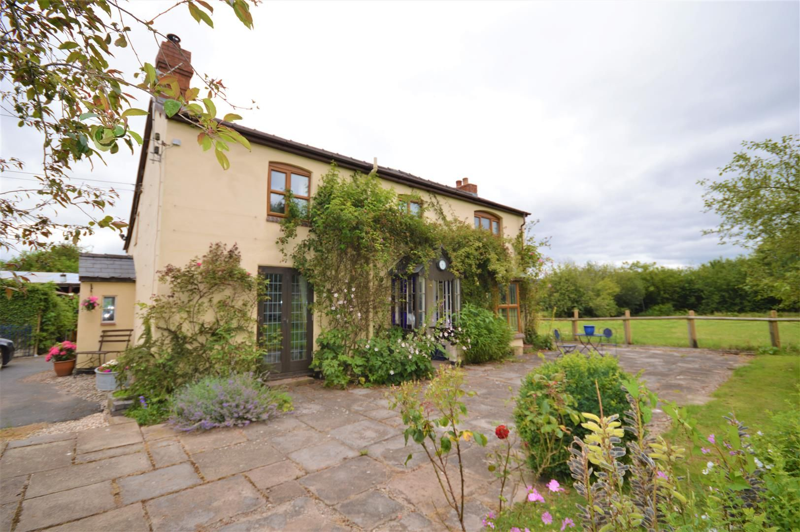 3 bed detached to rent in Preston-On-Wye - Property Image 1