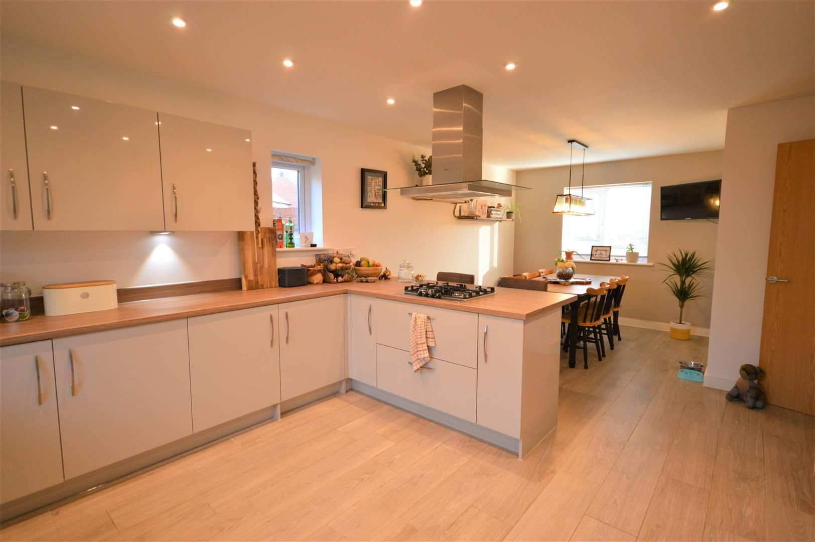4 bed detached for sale in Weobley 2