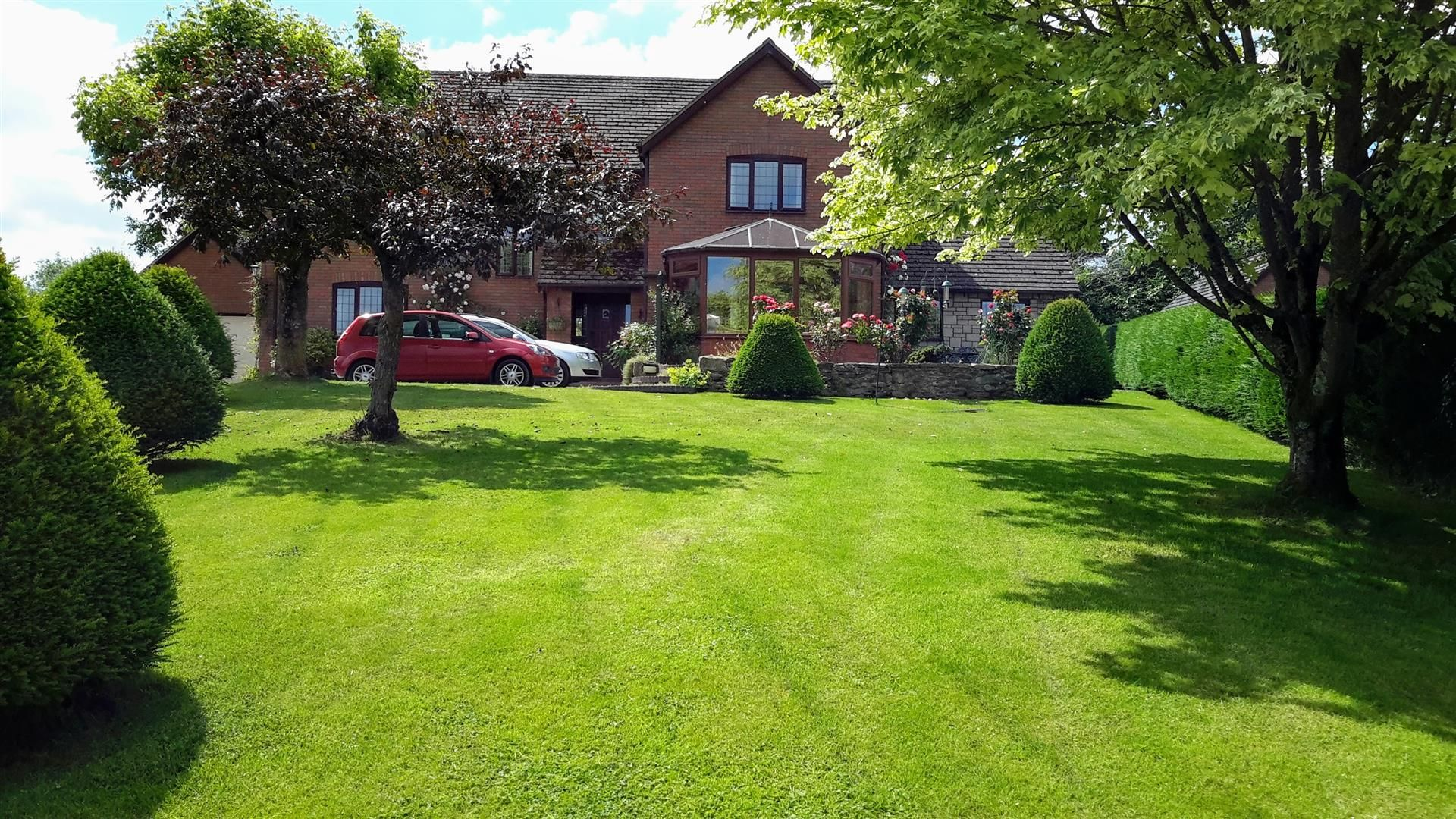 5 bed detached for sale in Stoke Prior, HR6