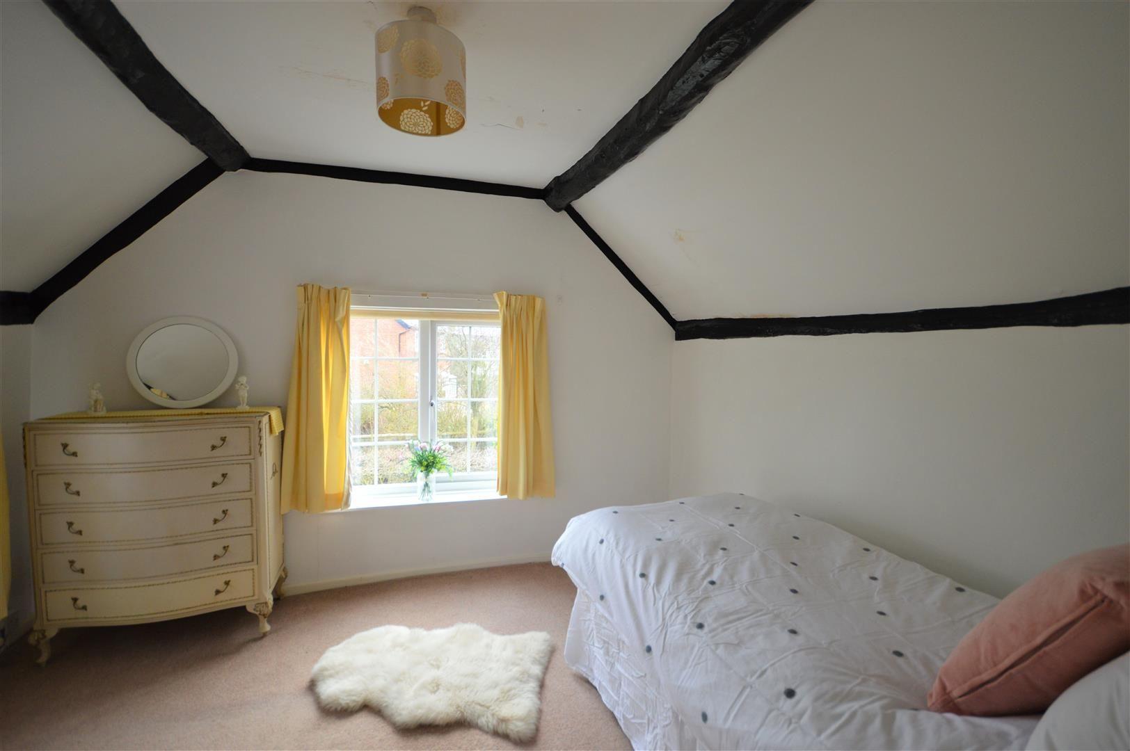 3 bed detached for sale in Kingsland 8
