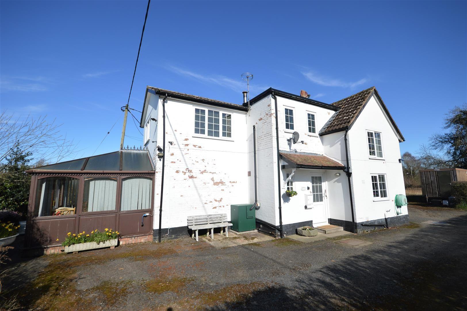 3 bed detached for sale in Kingsland  - Property Image 10