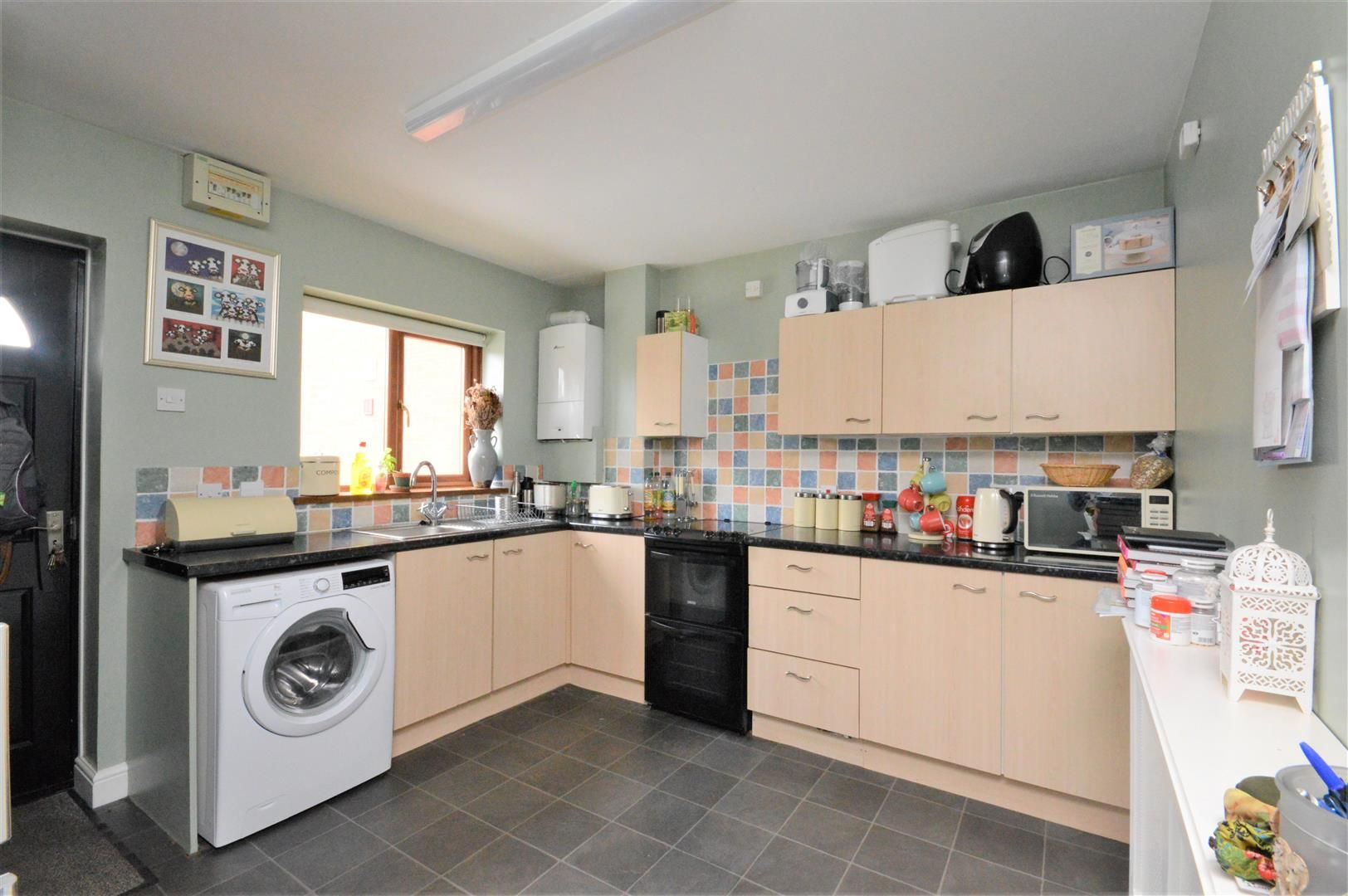2 bed end of terrace for sale in Lower Bullingham 3