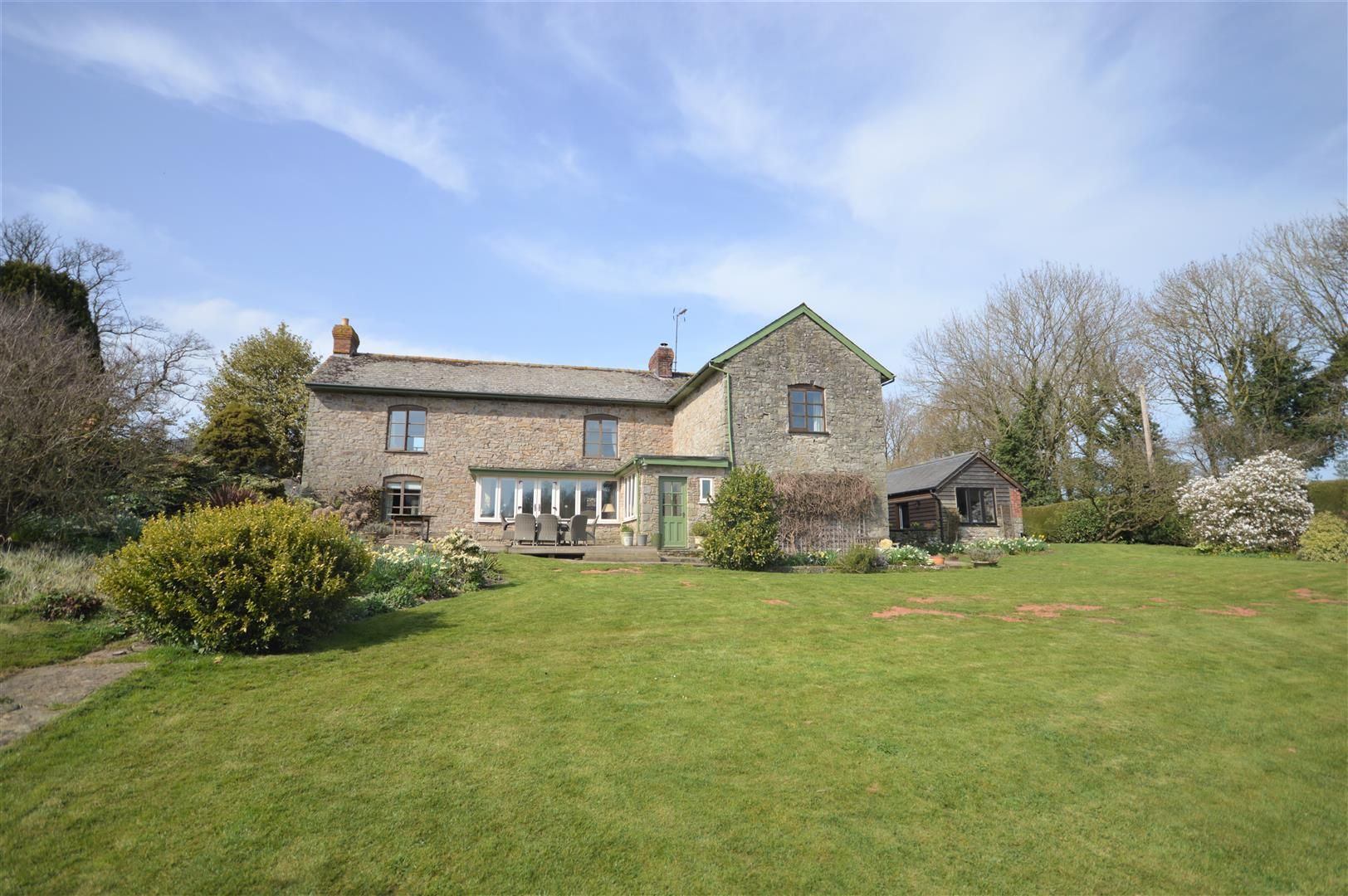4 bed country house for sale in Lyonshall, HR5