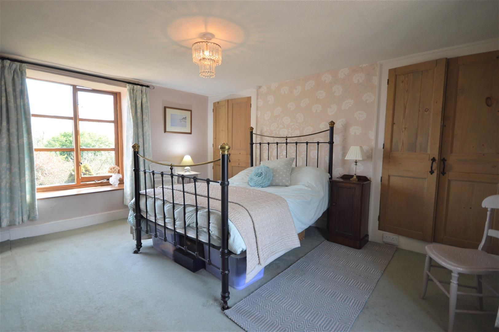 4 bed country house for sale in Lyonshall 11
