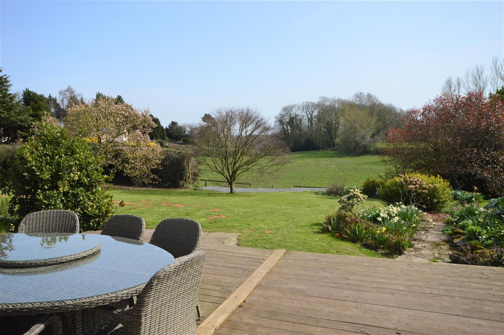 4 bed country house for sale in Lyonshall 17