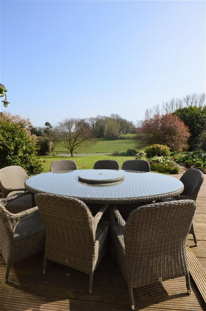 4 bed country house for sale in Lyonshall 20