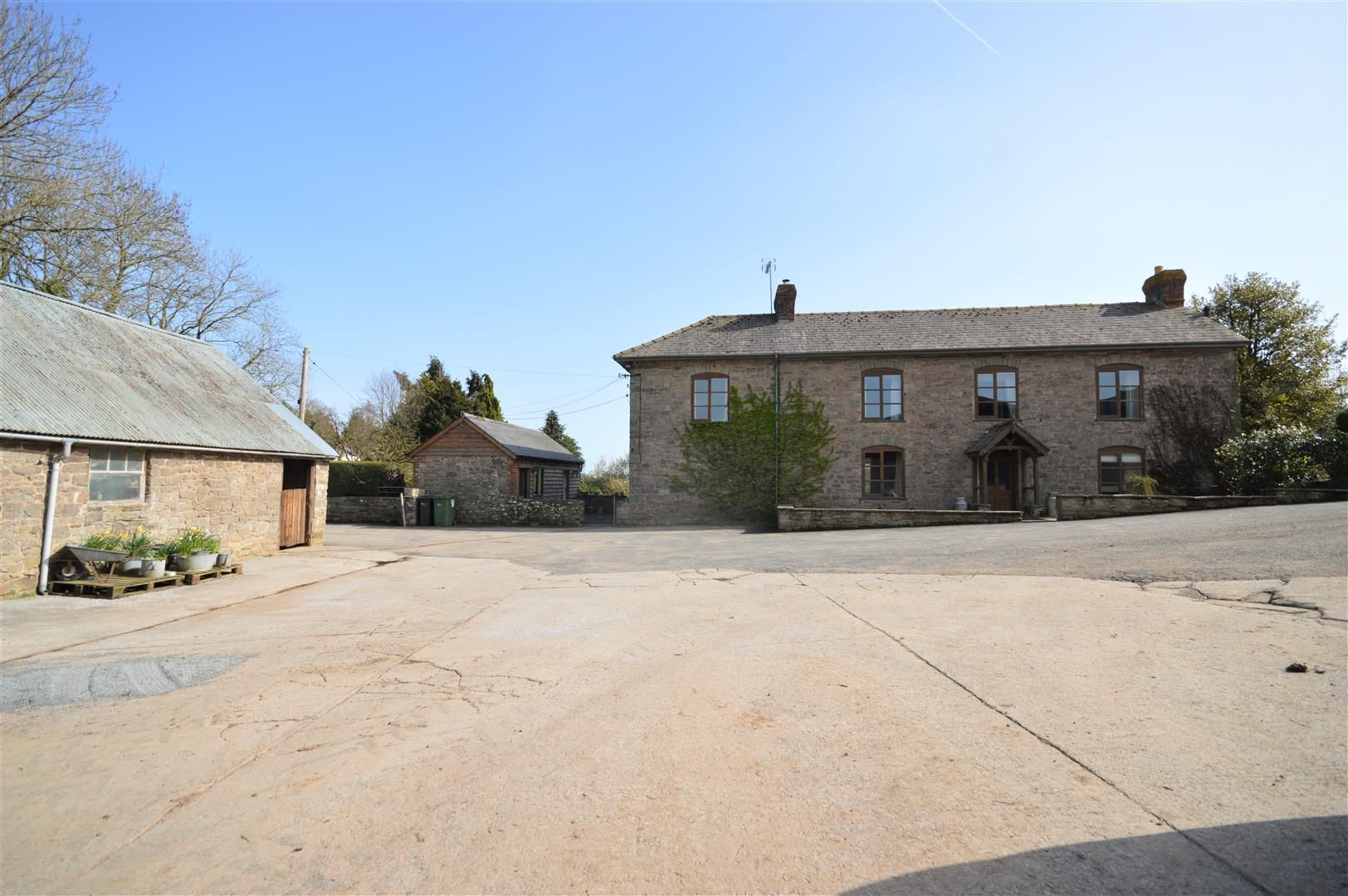 4 bed country house for sale in Lyonshall 23