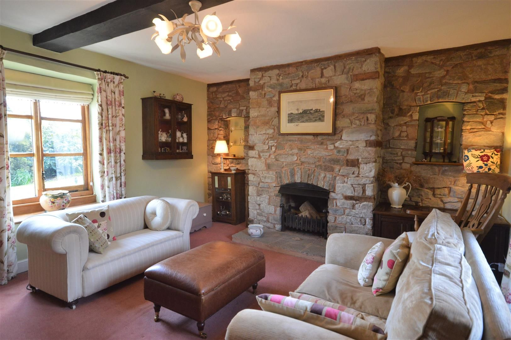 4 bed country house for sale in Lyonshall 5