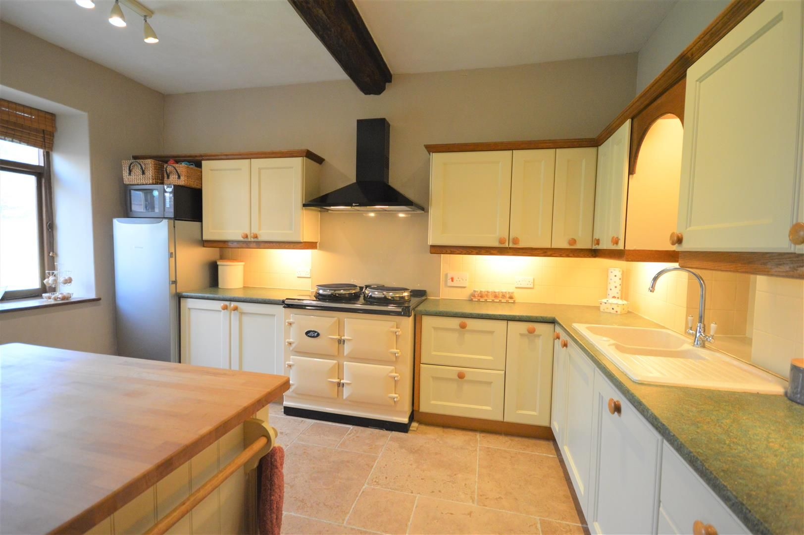 4 bed country house for sale in Lyonshall 10