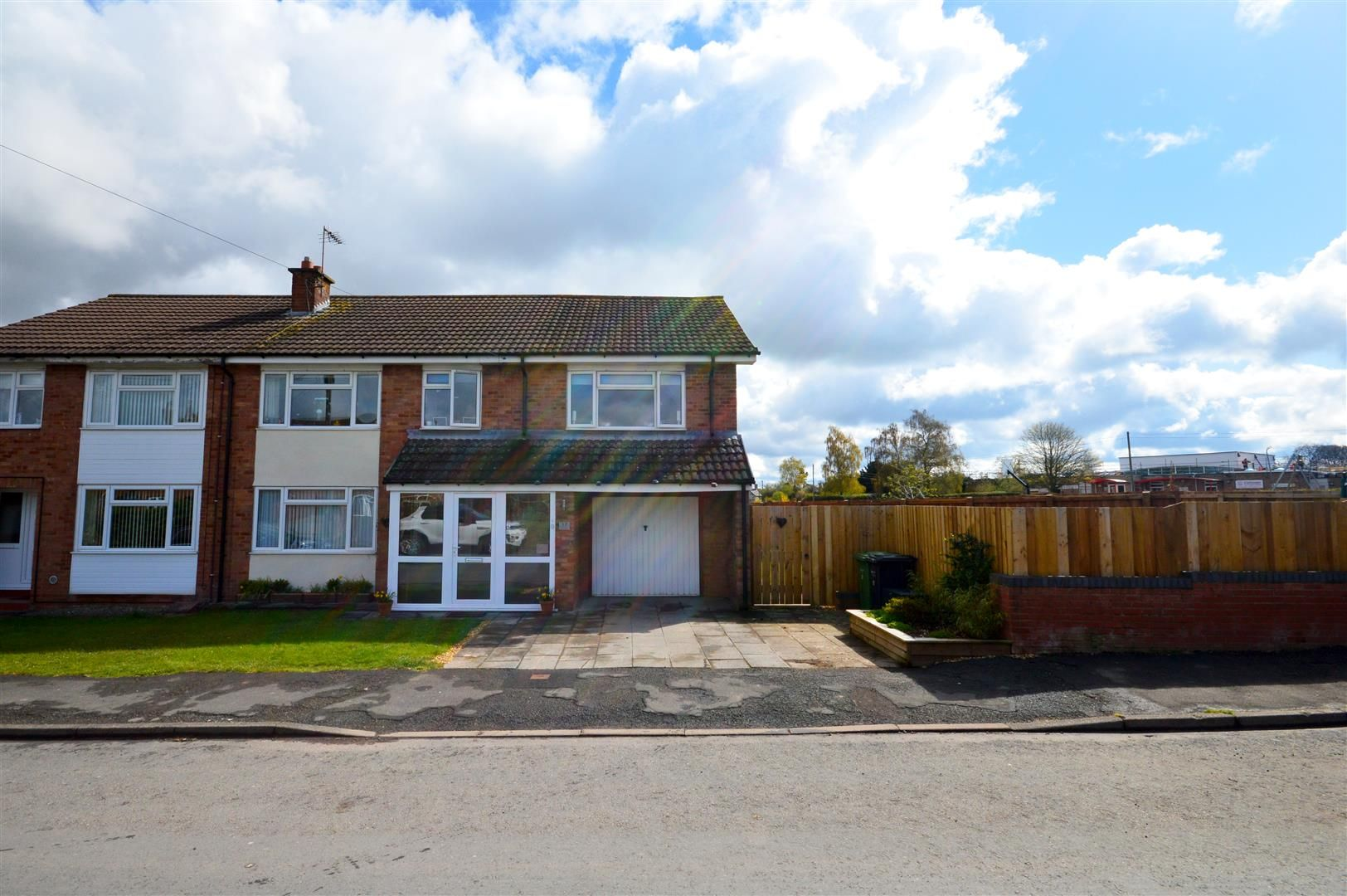 4 bed semi-detached for sale in Clehonger, HR2