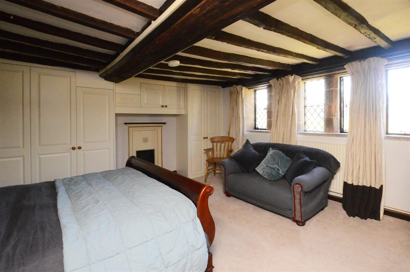 6 bed detached for sale in Wormsley 13