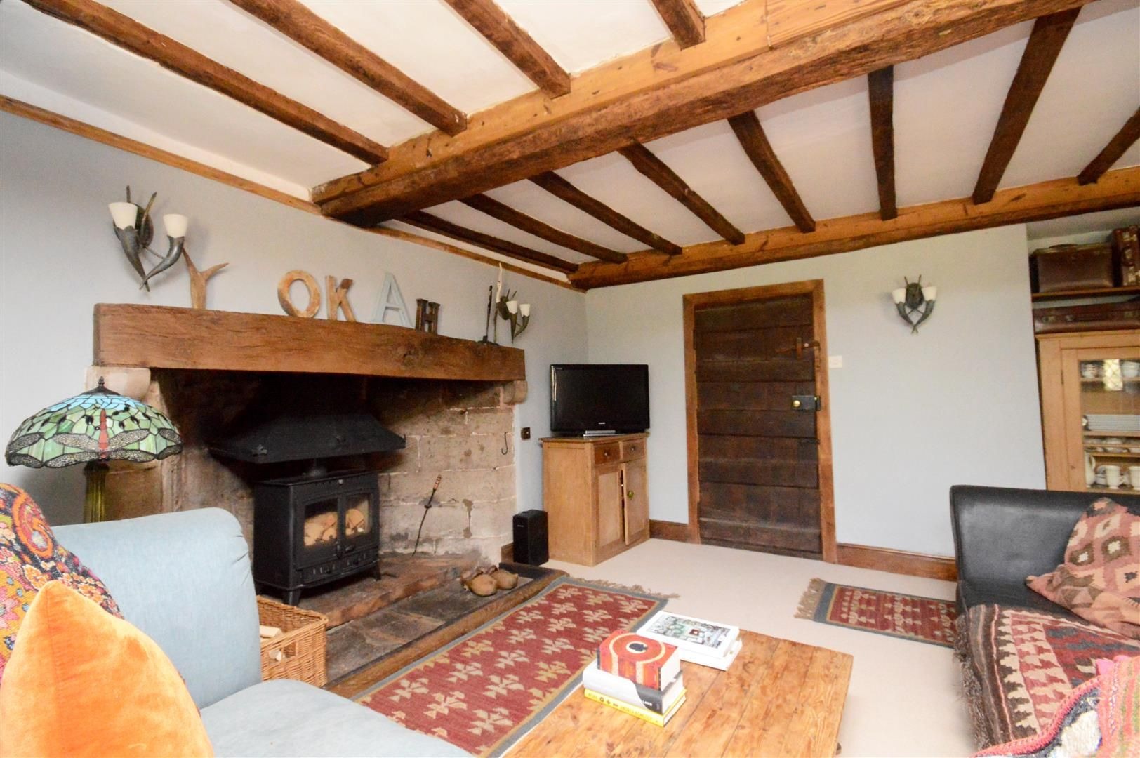 6 bed detached for sale in Wormsley 8