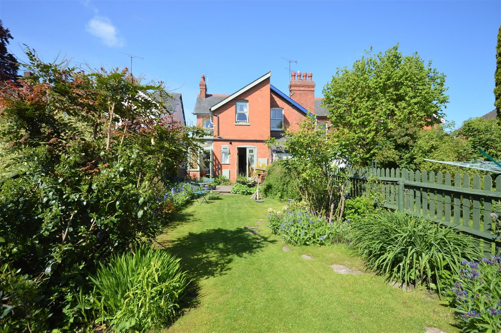 3 bed end of terrace for sale in Leominster 15