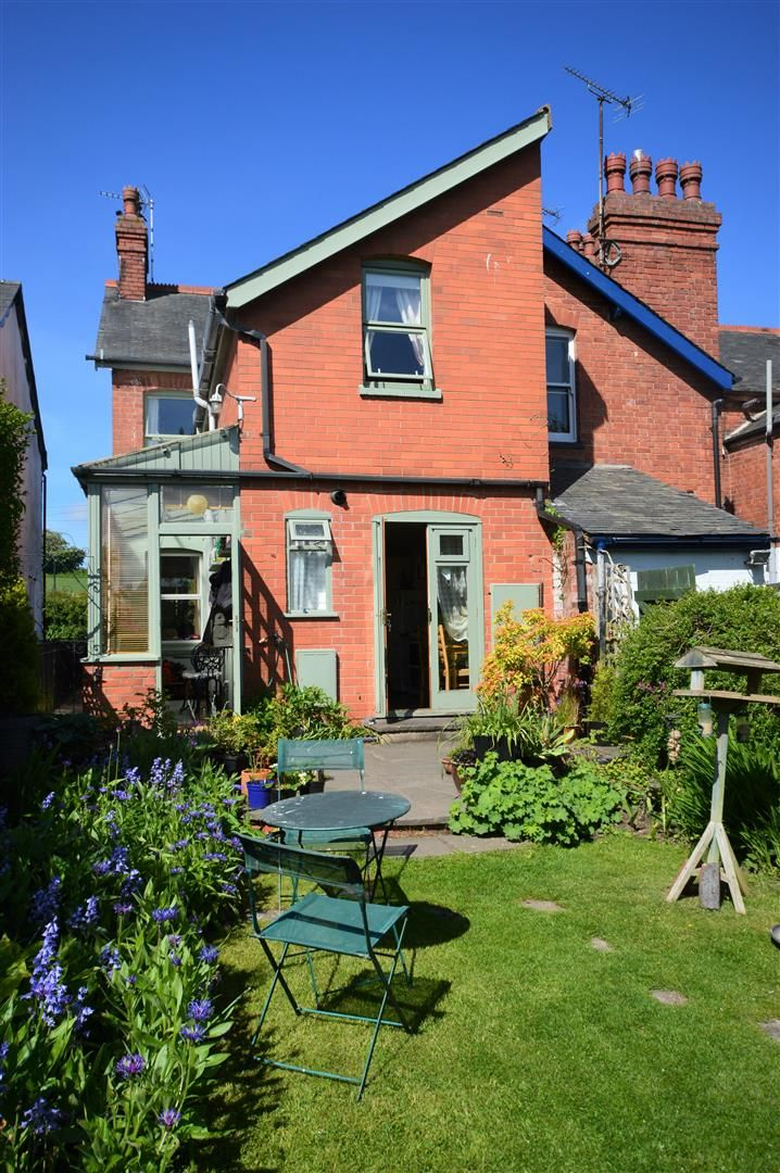 3 bed end of terrace for sale in Leominster 16