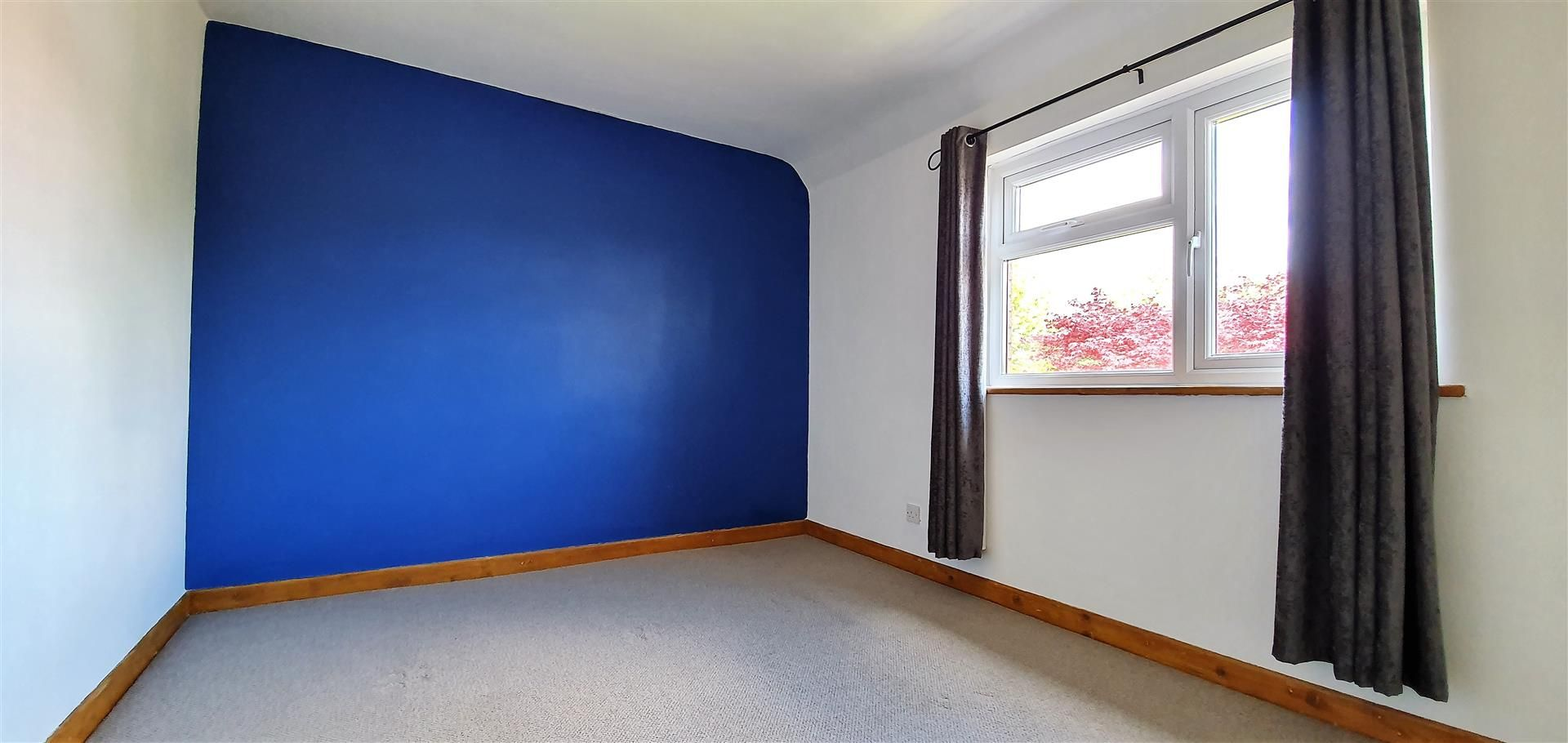 3 bed semi-detached to rent  - Property Image 6