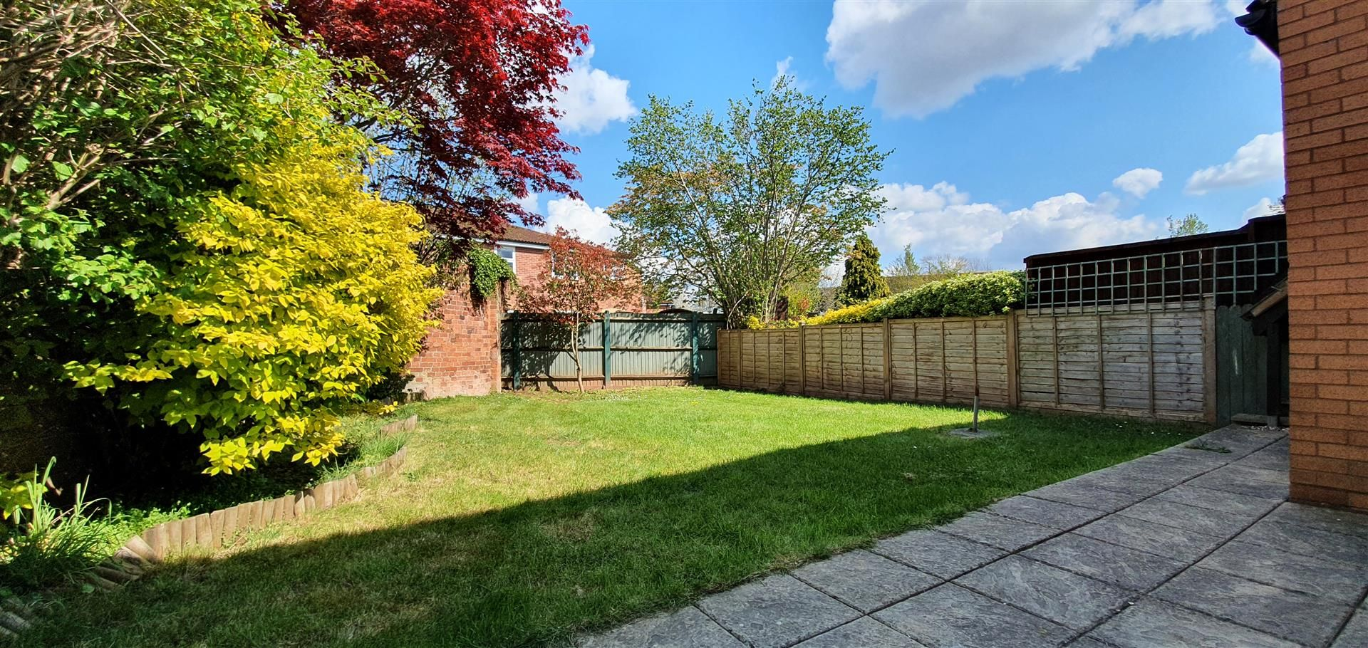3 bed semi-detached to rent 9