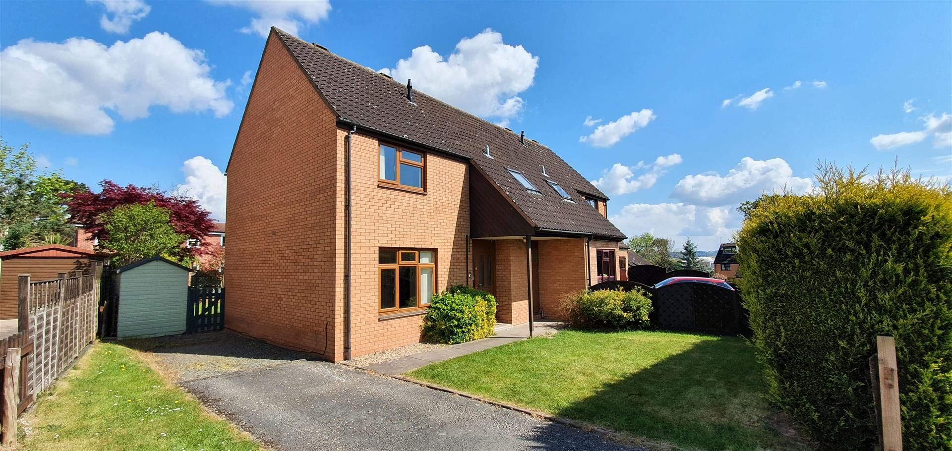 3 bed semi-detached to rent 10