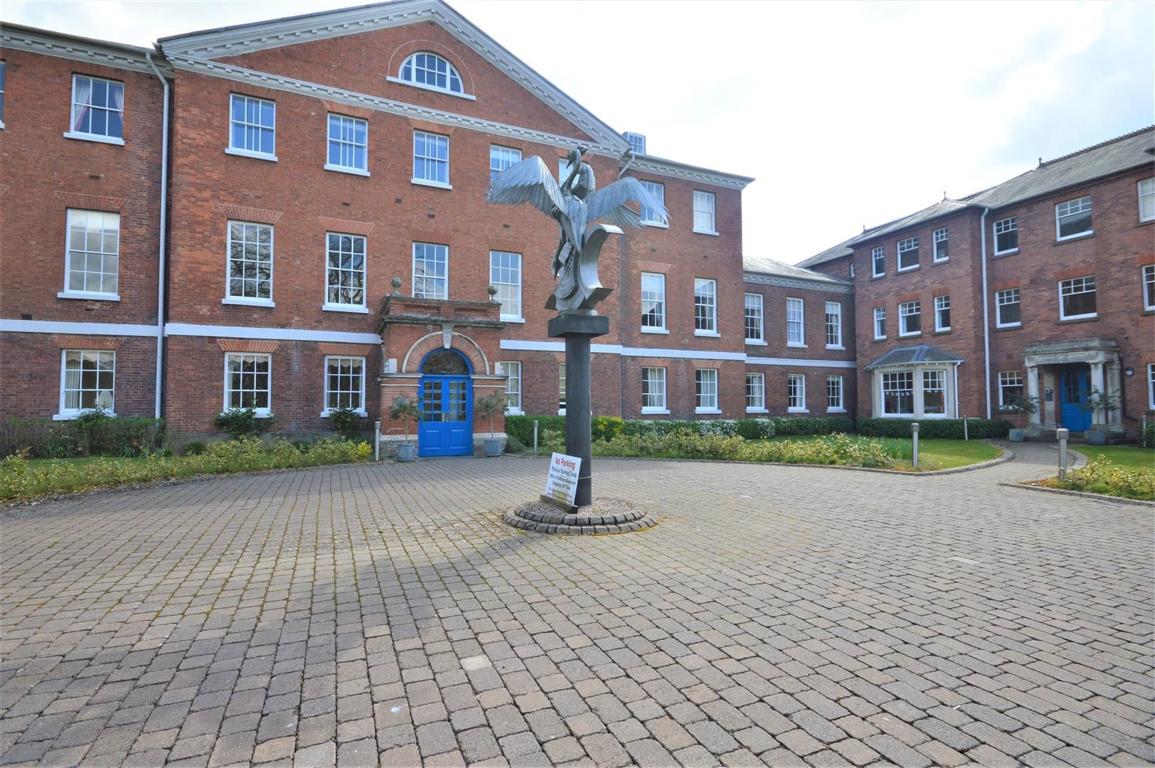 2 bed apartment for sale in Victoria Bridge - Property Image 1